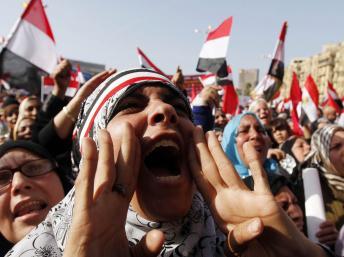 2012-01-25T142014Z_532258045_GM1E81P1QAL01_RTRMADP_3_EGYPT